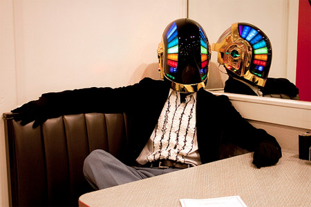guy-manuel-daft-punk-helmet